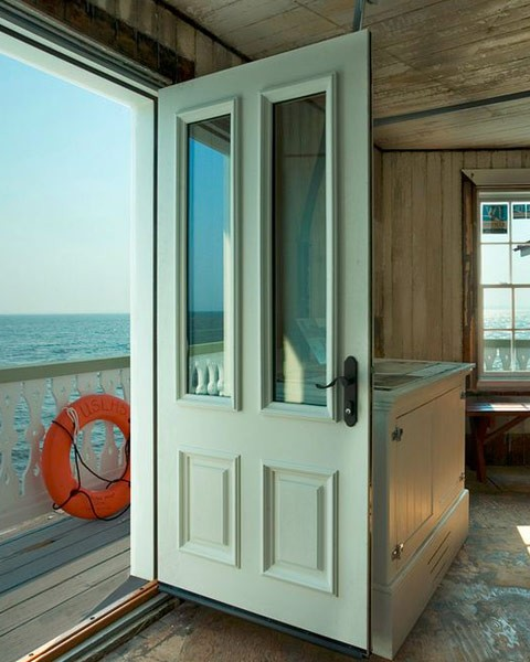 Exterior door with glass